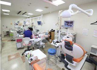 診療スペースです。治療機器や設備が充実しています。
