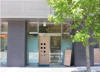 熊本駅前駅より徒歩1分のところにある、森都心歯科クリニックです。