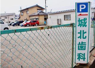 駅近ですが、かなり広めの駐車場です。