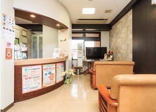 待合室にはテレビやウォーターサーバーもございます。