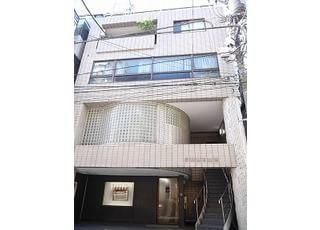 伊藤歯科医院は千代田区外神田5-4-8にあります。