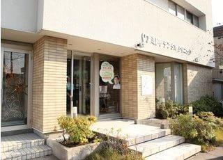 当院は、青森県青森市の緑2丁目13番地14号に位置しております。
