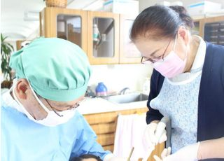 石坂歯科医院_歯周病やインプラント治療などにも対応いたします