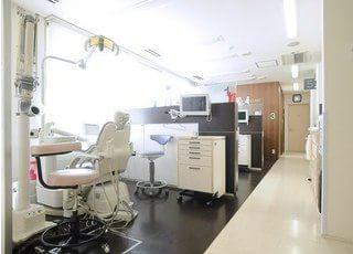 診療室はブースごとに分かれております。