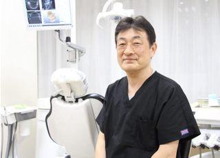 中央歯科 赤羽 康彦 院長 歯科医師 男性