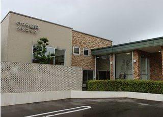 芦原温泉駅より徒歩17分のところにある、かつら歯科クリニックです。
