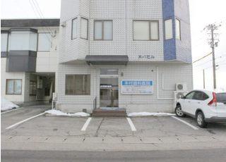 駐車場は当院の目の前に御座います。