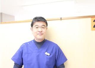 ファミリー歯科クリニック(東小松川二丁目バス停前) 植村 芳信 理事長 歯科医師 男性