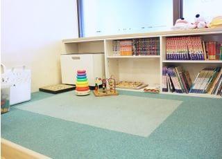 キッズスペースです。おもちゃや絵本を用意しています。