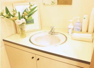 お手洗いです。治療前に歯を磨くこともできます。