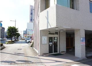 最寄りの日豊本線・大分駅の出口から、歩いて10分の場所に、かずの歯科・小児歯科がございます。