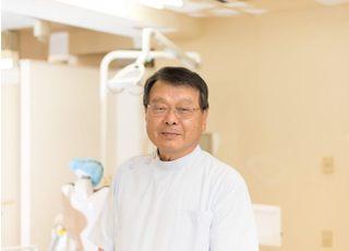 塩谷歯科医院 塩谷 達昭 院長 歯科医師 男性