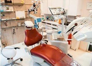 診察室のチェアです。患者様に合わせた治療を行います。