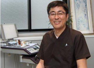 院長の宮嵜です。皆様の理想を実現した、最高峰の歯科医療をご提供します。