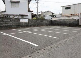 医院前のほかにも駐車場のご用意がございますので、ぜひご利用ください。