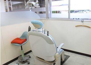 診療室です。明るく元気に診療を行っています。