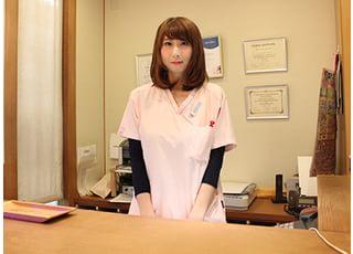 当院にお越しいただきましたら、受付をお済ませください。