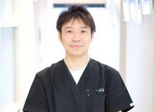 松山デンタルオフィス 松山 康正 院長 歯科医師 男性