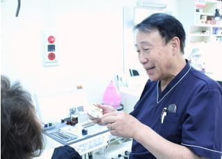 加々見歯科先生の専門性・人柄1