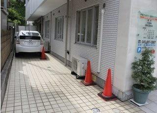 駐車場がございます。お車の方も通院しやすい環境です。