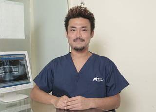 Y's歯科クリニック_先生