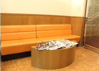 待合室には雑誌を置いています。ご利用ください。