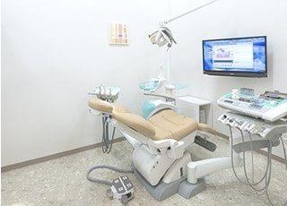 清潔な診療チェアで治療をします。
