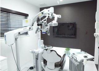 個室の診療室です。周りを気にせずに治療を受けていただけます。