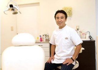 川崎院長は美しさと健康に配慮した矯正治療をご提供します。
