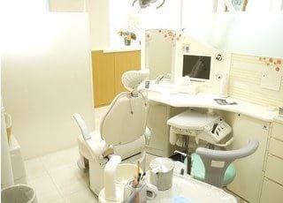 診療スペースです。治療について不安点などがありましたら、些細なことでもご相談ください。