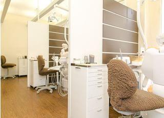 清潔であたたかみのある診療スペースです。