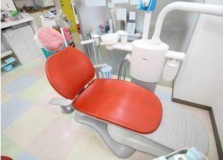 診療台です。優しく丁寧な治療をいたしますので、ご安心下さい。