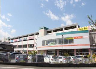 当院はショッピングモールの2階にあります。