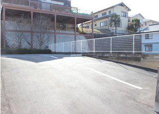 駐車場を供えています。