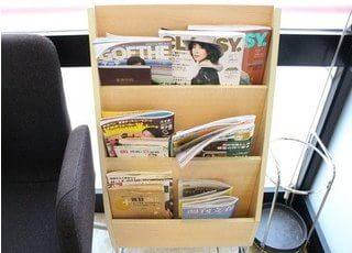 各種おしゃれな雑誌をご用意しております。