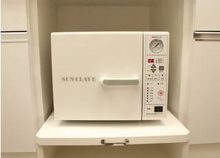 滅菌器です。当院では衛生管理を徹底しております。ご安心ください。