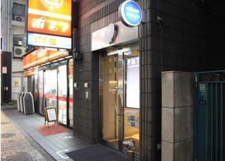 当院は、アムール新川の2階にございます。