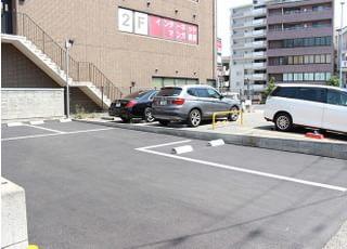 第1駐車場が満車の場合は、路地に入ったところすぐにあります、第2駐車場をご利用ください。
