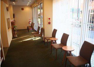 仕切られた診療室です。他の患者様が気にならずに治療できます。