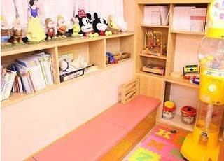 キッズスペースも充実していますので、お子様連れでも安心して治療を受けて頂けます。