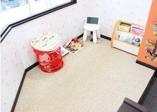 お子様のためのキッズスペースをご用意しています。ご自由にご利用下さい。