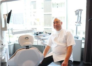 神戸デンタルクリニック 三宅 貴 院長 歯科医師 男性
