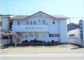 岡森歯科医院の外観です。宇和島市住吉町にございます。