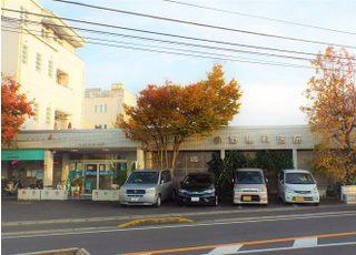 駐車場は建物に隣接しております。