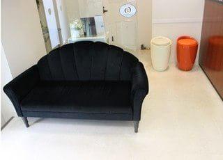 待合室です。診療までこちらでおくつろぎください。