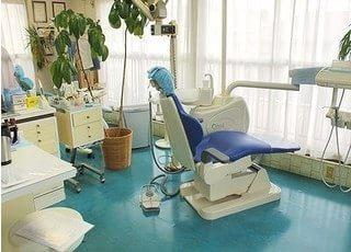 診療室は落ち着いた雰囲気ですので、リラックスして診療を受けていただけます。