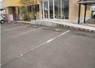 駐車場もご用意しております。