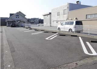 駐車場も広々です。