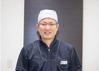 IKEDA DENTAL CLINIC 池田 量 院長 歯科医師 男性