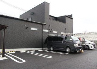 お車で来院された際には専用駐車場をご利用ください。